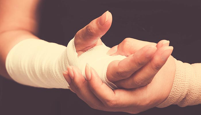 Custom vs Pre-Fabricated Splints: Which One Is Better?