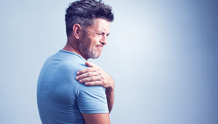 9 Torn Rotator Cuff Symptoms You Need to Be Aware Of