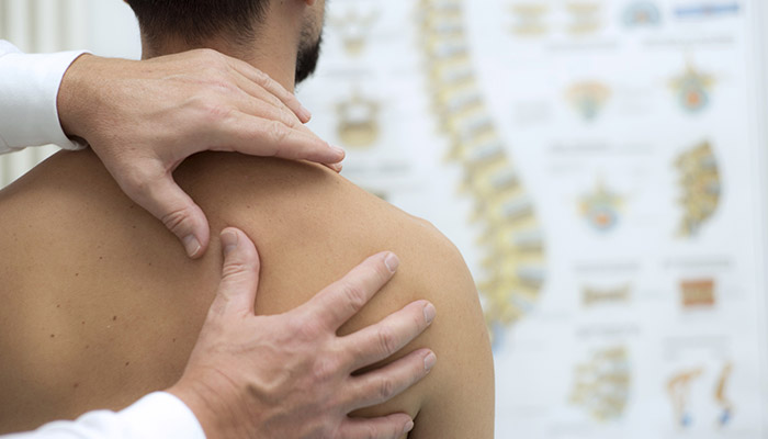 How to Treat a Sprained Shoulder: 5 Things You Can to Do for Recovery